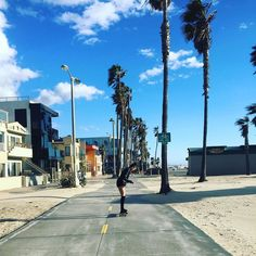 @leighravensuicide learning to skateboard is the cutest  #Venice by circasays