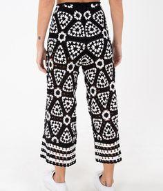 Crochet Pants, Crochet Skirts, Crochet Clothes, Knitwear Fashion, Knit Fashion, Maxi Skirt Tutorial, Girl Dress Patterns, Skirt Patterns, Coat Patterns