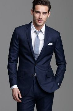 There's something about a good navy suit. Navy suit with grey tie. Blue Linen Suit, Linen Suits For Men, Dark Blue Suit, Mens Suits, Dark Blue Wedding Suit, Navy Wedding Suits, Suits Women, Deep Blue, Navy Blue Groom