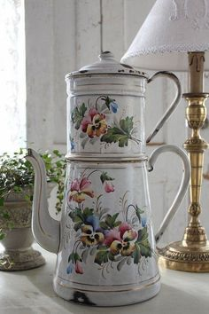 Maison Mimosa...Pansies & Enamelware coffee Pot..can't beat them