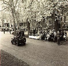 Viering Bevrijdingsdag in Oirschot. Militaire parade Auteur: Beelen, G.A. 24/10/1954
