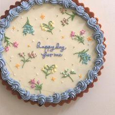 Pretty Birthday Cakes, Pretty Cakes, Cake Birthday, Birthday Cake Decorating, Kreative Desserts, Pastel Cakes, Cute Desserts, Baking Desserts, Health Desserts