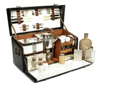 A picnic set for four persons, by Drew & Sons, (TBD)