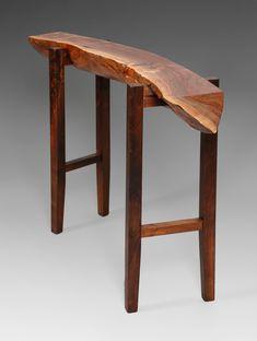 La madera es estética por naturaleza, esta simple consola lo demuestra.