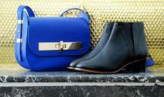 Affrontez le froid de novembre avec style grâce à nos essentiels du mois ! Les bottines RHUM en veau noir et le sac AMEDEE en veau bleu.  Shop now! http://www.avrilgau.com/3-boutique-en-ligne-avril-gau