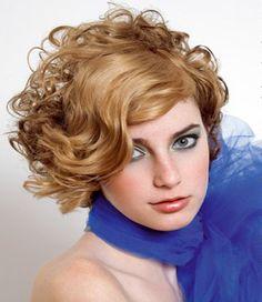 Nette Frisuren für kurze Haare für Abschlussball //  #Abschlussball #Frisuren #für #Haare #Kurze #Nette