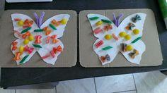Papillon: colorer les pâtes avec du colorant alimentaire. collage de pâtes par les enfants.