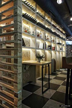 merchandising pallets More pallet ideas at http://pinterest.com/wineinajug/passion-for-pallets/ Musique Cafe - Designed by Esé studio - wood pallets. #Basement #Bar #Restaurant #Retail #Shop #Winkel #ManCave #Loft #Barn #Garage
