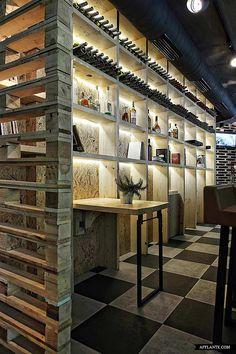 merchandising pallets More pallet ideas at http://pinterest.com/wineinajug/passion-for-pallets/ Musique Cafe - Designed by Esé studio - wood pallets. #Basement #Bar #Restaurant #Retail #Shop #Winkel #ManCave #Loft #Barn #Garage