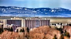 UW University of Wyoming dorms. Tallest buildings in all of Wyo. The States Of America, Laramie Wyoming, Home On The Range, Travel Around, Day Trips, National Parks, Beautiful Places, University, Skyline