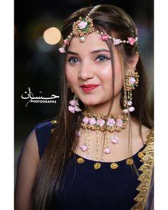 Cute Girl Poses, Cute Girl Photo, Cute Girls, Beautiful Blonde Girl, Beautiful Girl Photo, Stylish Girl Images, Stylish Girl Pic, Pakistani Girls Pic, Pakistani Dresses