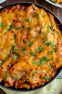Slimming Delicious Syn Free Tuna Pasta Bake - a perfect meal any day of the week for the whole family, using simple easy ingredients. Slimming World and Weight Watchers friendly Slimming World Pasta Bake, Slimming World Dinners, Slimming World Recipes Syn Free, Slimming World Diet, Slimming Eats, Slimming Word, Fish Recipes, Great Recipes, Diet