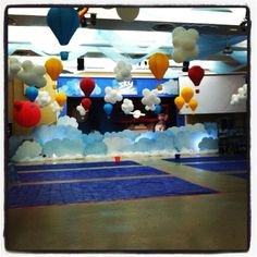 Sky VBS - love the white balloons tied together to be clouds!