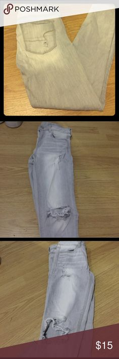 American eagle stretch jegging light wash Hardly worn American eagle jeans lightly distressed mostly in the knees. Light was slight gray tone. One flaw is there is a little stretch mark  in the crotch (last photo) and barely showing in the back. You can't tell once they're on at all! I wore them a little too snug lol American Eagle Outfitters Pants Skinny