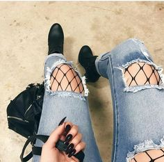 Outfits Ideas: Wear Fishnet Tights Under Ripped Jeans or Denim – Lupsona Grunge Outfits, Grunge Fashion, Look Fashion, Casual Outfits, Cute Outfits, Fashion Outfits, Womens Fashion, Fashion Trends, 90s Fashion