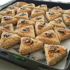 Çay yanına kolayca hazırlayacağıniz bayatlamayan ağızda dağılan tuzlu atıştırmalık kurabiyelerin yapım aşama resimleri arkadaşlar Huzurlu…