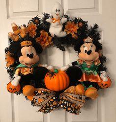 Halloween Ribbon, Up Halloween, Disney Halloween, Halloween Wreaths, Nightmare Before Christmas Wreath, Christmas Wreaths, Pirate Wreath, Disney Wreath, Foam Pumpkins