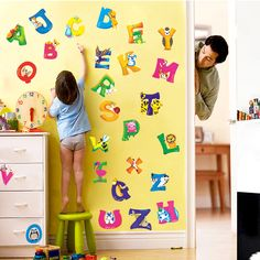 CHILDRENS ANIMAL ALPHABET VINYL WALL DECAL REMOVABLE REUSEABLE | WALL DECAL BODY JEWELRY BABY GIRLS HAIR BOWS HOME WALL DECORATION