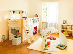Micasa Kinderzimmer mit Hochbett, natur (individuelle Anpassungen möglich), Spielvorhang Tivoli und Höhle Tivoli aus dem Programm FLEXA