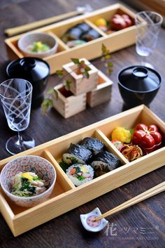 japanese food, sushi, sashimi, japanese sweets, for japan lovers Sushi Recipes, Asian Recipes, Asian Kitchen, Japanese Food, Japanese Sweets, Food Presentation, Food Design, Food Plating, No Cook Meals