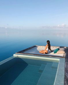 Vacation Mood, Vacation Travel, Bora Bora Hotels, Bora Bora Island, Hotels And Resorts, Luxury Hotels, Romantic Places, Summer Dream, Beautiful Hotels