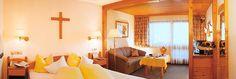 www.saegerhof.at/... Vier Sterne Komfort und ein naturnahes Ambiente erwartet Sie in den Zimmern des Sägerhofs.