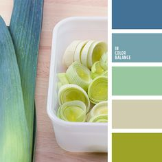 I have always been attracted to greens and blues like these in clothing, but this assortment looks soothing for a home, too.                                                                                                                                                                                 Más