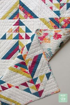 Modern Quilting Designs, Modern Quilt Patterns, Patchwork Patterns, Quilting Patterns, Quilting Ideas, Quilting Projects, Sewing Projects, Half Square Triangle Quilts Pattern, Rail Fence Quilt