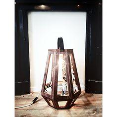 Lamp zuid met notenhout en zilver