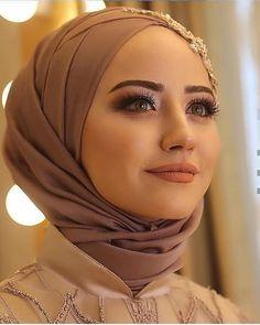 Hijabi Wedding, Wedding Hijab Styles, Wedding Dresses, Muslim Women Fashion, Islamic Fashion, Hijabi Girl, Girl Hijab, Hijab Mode Inspiration, Hijab Stile