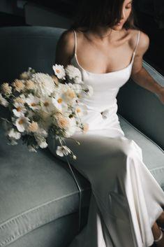 Wedding Mood Board, Wedding Goals, Wedding Pics, Dream Wedding, Wedding Dresses, Minimal Wedding Dress, Vogue Wedding, Wedding Types, Perfect Bride