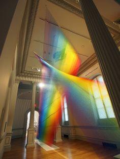 60マイルの巨大レインボーに感激!スミスソニアン美術館のインスタレーション − ISUTA(イスタ)オシャレを発信するニュースサイト