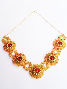 Flower Design Necklace di theZABETT su Etsy