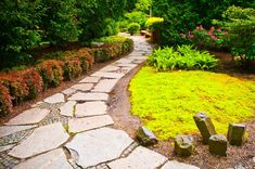 Фото из статьи: 19 модных типов оформления садовых дорожек из натурального камня