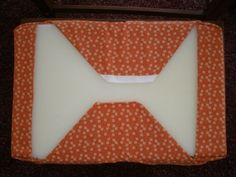 B.A. in Housewifery: No Sew Chair Cushions... for my dinig room chairs