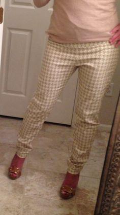 Item: Brand new! Houndstooth skinny pants.