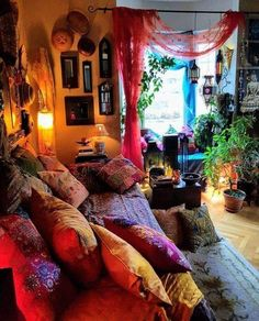 Full Colors DIY Boho Bedroom Decor Ideas Simply put, bohemian decor is about mixing, matching, coloring and smartly placing of unique items at a location. When it has to do with bohemian deco… Bohemian House, Bohemian Bedrooms, Hippy Bedroom, Boho Bedroom Decor, Room Ideas Bedroom, Boho Room, Living Room Decor, Bohemian Living, Bedroom Vintage