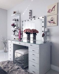 24 Makeup Vanity Table Designs to Decorate Your Home ★ Glam Modern Vanity Tabl. - Furniture I've bought for my home - Make up Makeup Vanity Decor, Makeup Rooms, Makeup Vanities, Makeup Vanity Tables, White Makeup Vanity, Modern Makeup Vanity, White Vanity Desk, Diy Makeup Desk, Makeup Vanity Case