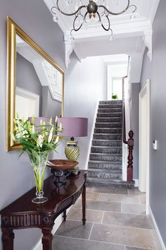 Trendy home renovation stairs hallways Victorian Townhouse, Victorian Terrace, Victorian Homes, Home Office Shelves, Stairs In Living Room, Townhouse Interior, Hallway Decorating, Decorating Tips, Interior Decorating