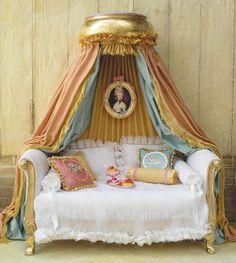 Miniature Canopy Bed - Maritza Miniatures
