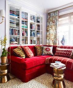 Seeing Red? Here Are the Best Colors to Pair It With