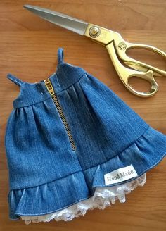 DIY baby cowboy dress - Tutorial and pattern - Her Crochet Baby Girl Dresses, Baby Boy Outfits, Kids Outfits, Baby Clothes Patterns, Girl Dress Patterns, Sewing Dresses For Women, Baby Dress Design, Mom Dress, Clothing Hacks