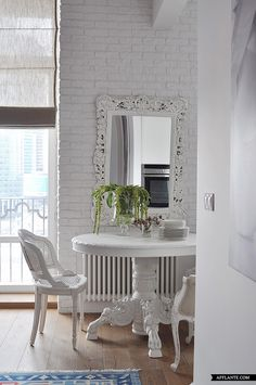 Lovely Apartment with Feminine Touch // Anna Erman | Afflante.com