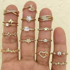 Image about accessories in accesorios🎀✨ by Paola Gold Rings Jewelry, Diamond Jewelry, Jewelery, Bling Jewelry, Jewelry Accessories, Fashion Accessories, Gold Finger Rings, Gold Ring Designs, India Jewelry