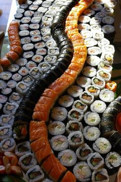 Sushi Galore! #sushi #californiaroll #nom http://buzznet.com/~g93d488