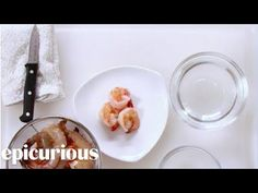 Learn how to prepare a shrimp for cooking by removing its shell and by deveining it. Remember to keep the shells to make a delicious seafood stock! Weight Watchers Shrimp, How To Devein Shrimp, Seafood Stock, Dinner Menu, Appetizers, Vegetables, Cooking, Recipes, Cocktail