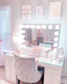 I firmly believe getting ready in this room puts me at peace ☺️ I look forward to it every morning! Cute Bedroom Ideas, Cute Room Decor, Girl Bedroom Designs, Room Ideas Bedroom, Teen Room Decor, Bedroom Decor For Teen Girls Dream Rooms, Bedroom Ideas For Teens, Girls Bedroom Colors, Pink Bedroom Decor