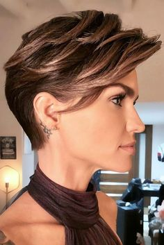 10 Edgy Pixie Haarschnitte für Frauen, Stylish Pixie Haircut, 2018 besten kurzen Frisuren für Frauen , Kurze Frisuren Edgy Pixie Haircuts, Messy Pixie Haircut, Longer Pixie Haircut, Haircut Short, Haircut Styles, Celebrity Short Haircuts, Hot Haircuts, Modern Haircuts, Cool Short Hairstyles