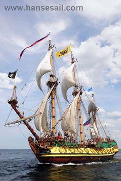 """Tall Ship """"Shtandart"""" at Hanse Sail Rostock (3-mâts carré) réplique d'une frégate russe(1999)"""