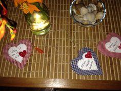 Corações em papelão e tecido